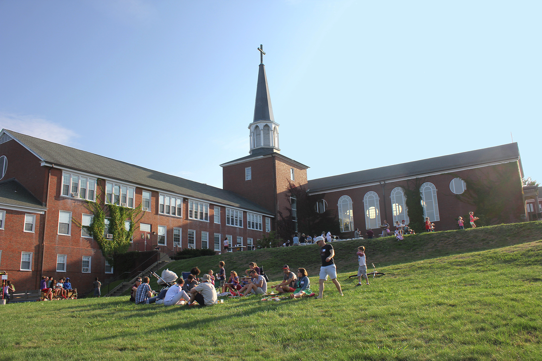Theological Seminary, Divinity School, Bible College or Bible Institute? What's the Difference?
